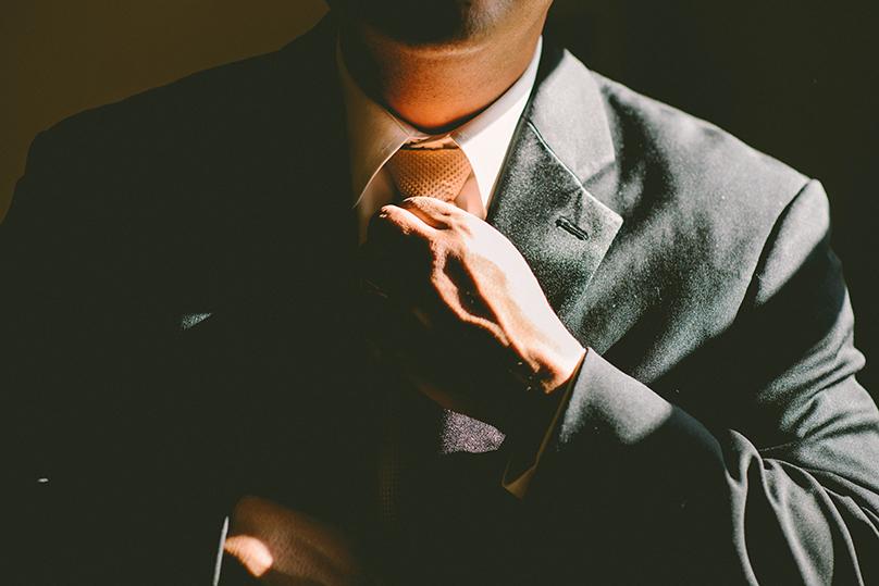 Sales-suit